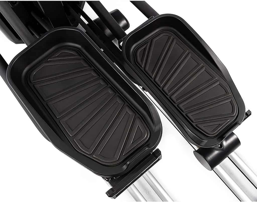 The pedals of the SOLE E95S Elliptical
