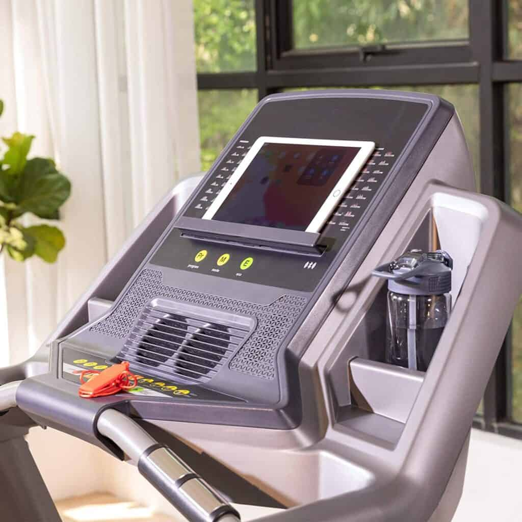 The 7'' backlit LCD monitor of the RUNOW 6631CA Folding Treadmill