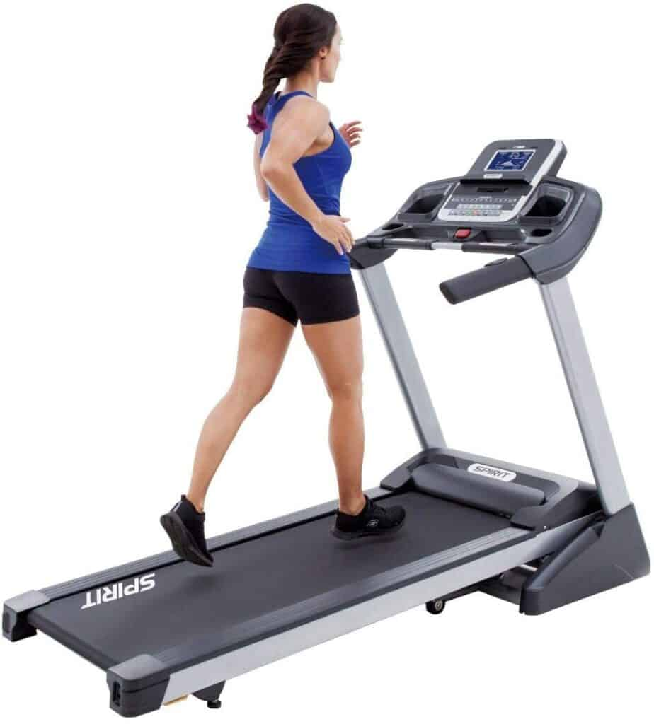 A lady jogs on the Spirit Fitness XT285 Folding Treadmill
