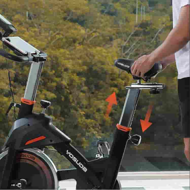 The 4-way adjustable seat of the YOSUDA L-007A Exercise Indoor Cycling Bike