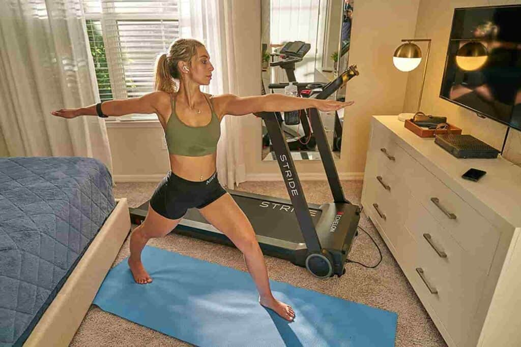 A user performs uses the Echelong Fit app to perform yoga